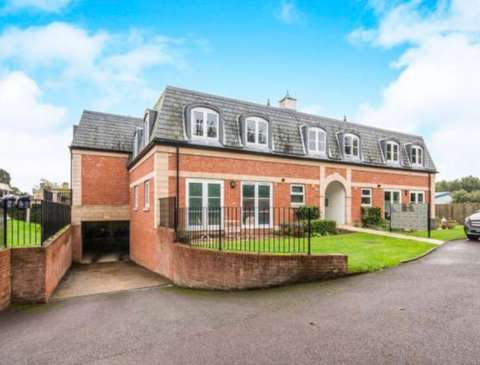 Photo of 2 bedroom flat for sale in Worth, Crawley RH10